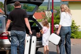 Family-travel-car.jpg